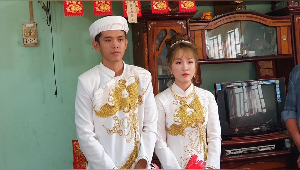 Sang Vlog bất ngờ lấy vợ, nhan sắc cô dâu khiến nhiều người bất ngờ Ảnh 8