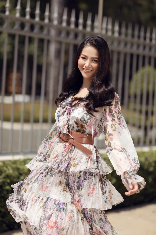 Hoa hậu Phương Khánh tái xuất đẹp mê hồn sau thời gian 'bốc hơi' Vbiz, dính tin đồn có bầu Ảnh 2