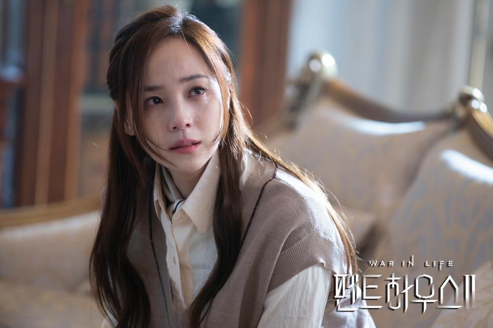 BXH diễn viên - phim tháng 2: Song Joong Ki - Park Shin Hye thua thê thảm trước 'Penthouse 2' Ảnh 2