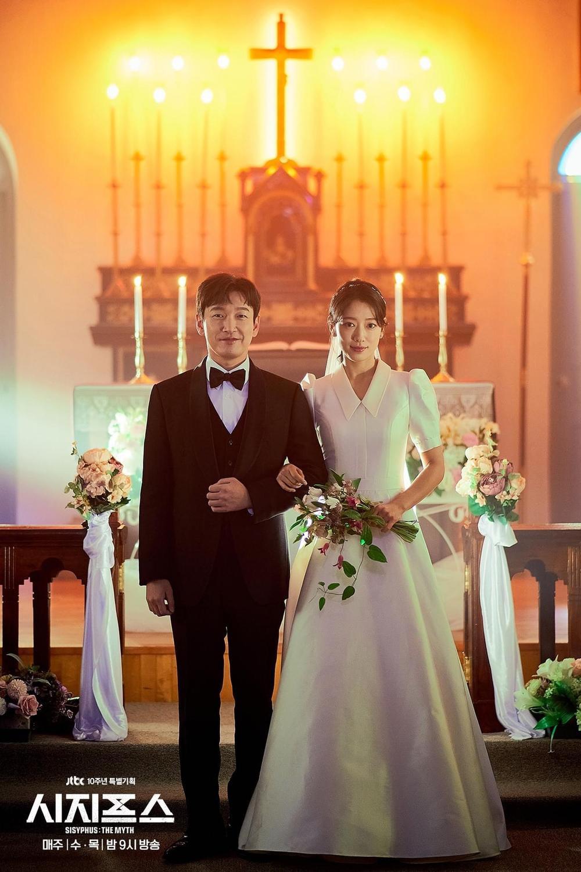 Nữ chính 'lố lăng' khiến phim của Song Joong Ki bị chê tơi tả, phim của Park Shin Hye cũng tệ không kém! Ảnh 6
