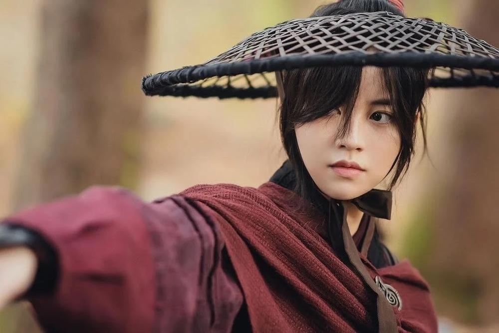 'Sông đón trăng lên': Kim So Hyun từ thân phận công chúa trở thành giai nhân sát thủ Ảnh 8