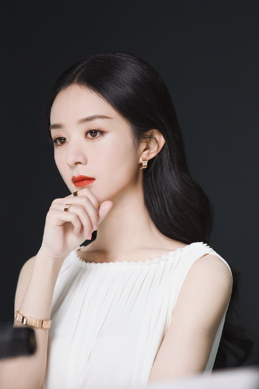 Triệu Lệ Dĩnh làm đại sứ mỹ phẩm, dân tình ùa vào chê bai sao makeup giống 'ma nữ' thế Ảnh 8