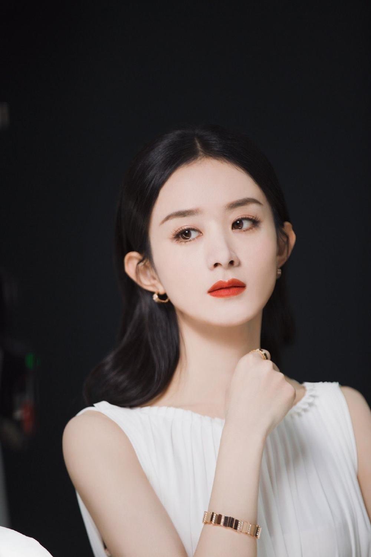 Triệu Lệ Dĩnh làm đại sứ mỹ phẩm, dân tình ùa vào chê bai sao makeup giống 'ma nữ' thế Ảnh 7