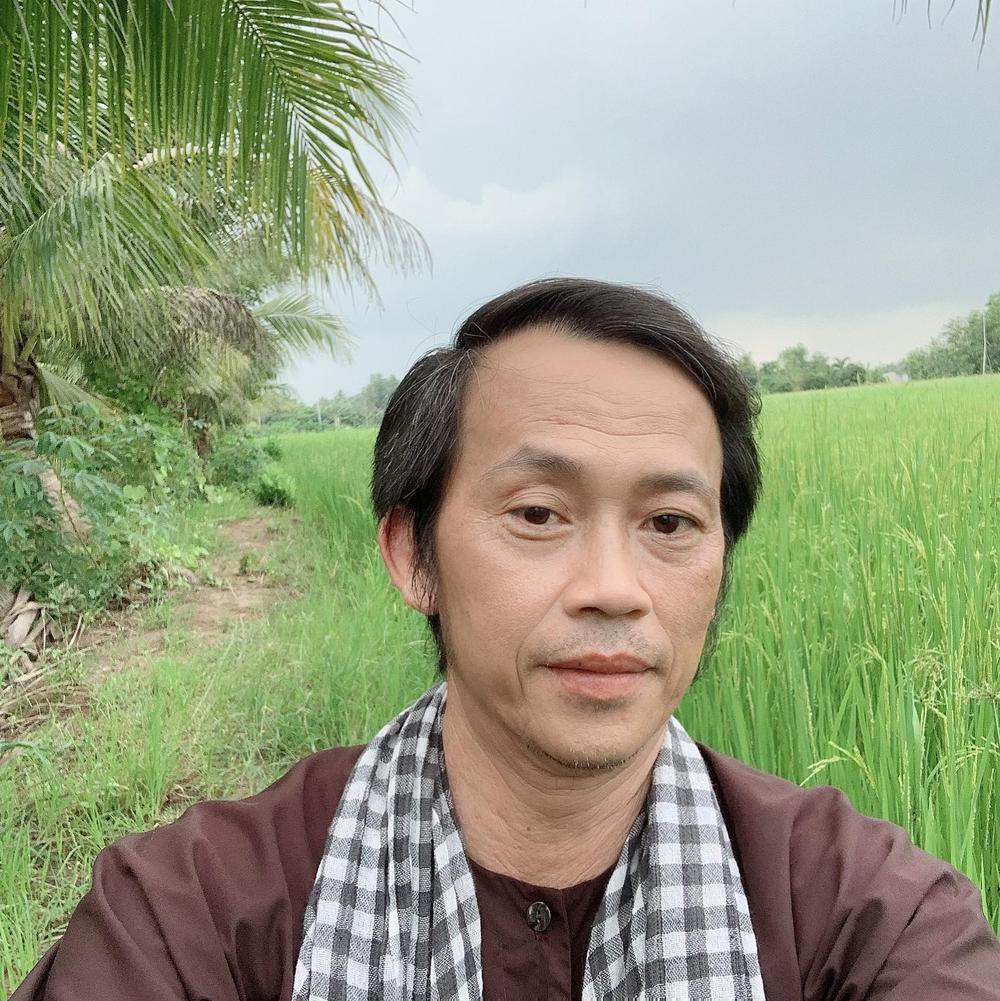 NSƯT Hoài Linh mừng kênh YouTube đạt 700 nghìn lượt đăng ký, xin dân mạng ngừng 'trộm clip' Ảnh 5