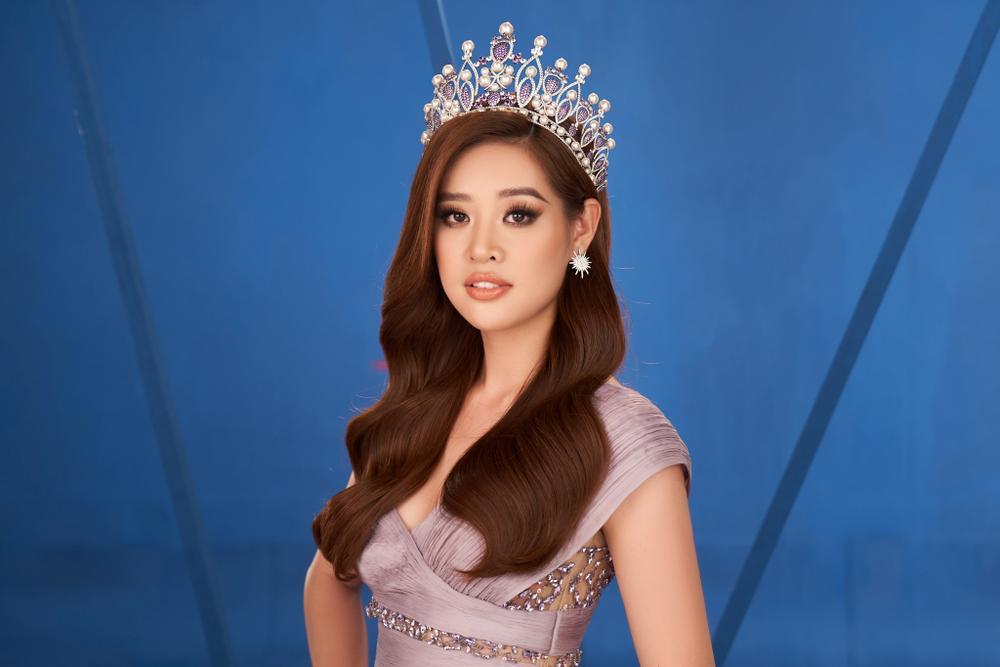 Khánh Vân trùm kín với ý tưởng Anti-Covid trong video Road To Miss Universe gây ý kiến trái chiều Ảnh 8