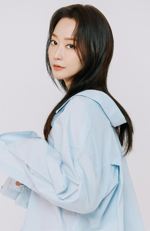 Phim 'Penthouse 2' xuất hiện thêm nhân vật mới, là chị em song song với bà cả Lee Ji Ah? Ảnh 1