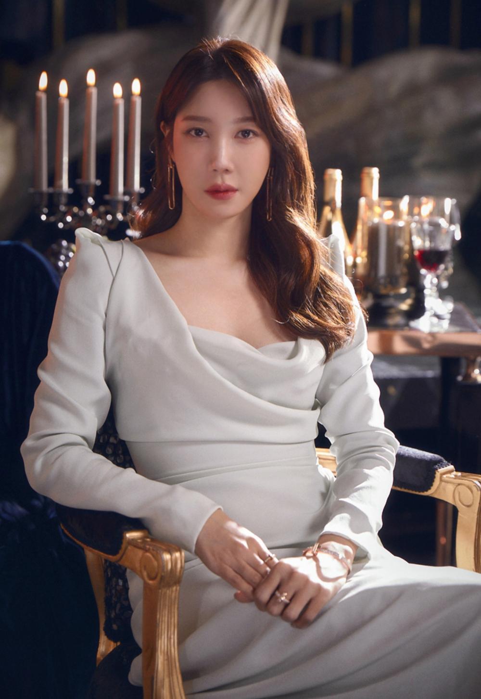 Phim 'Penthouse 2' xuất hiện thêm nhân vật mới, là chị em song song với bà cả Lee Ji Ah? Ảnh 3