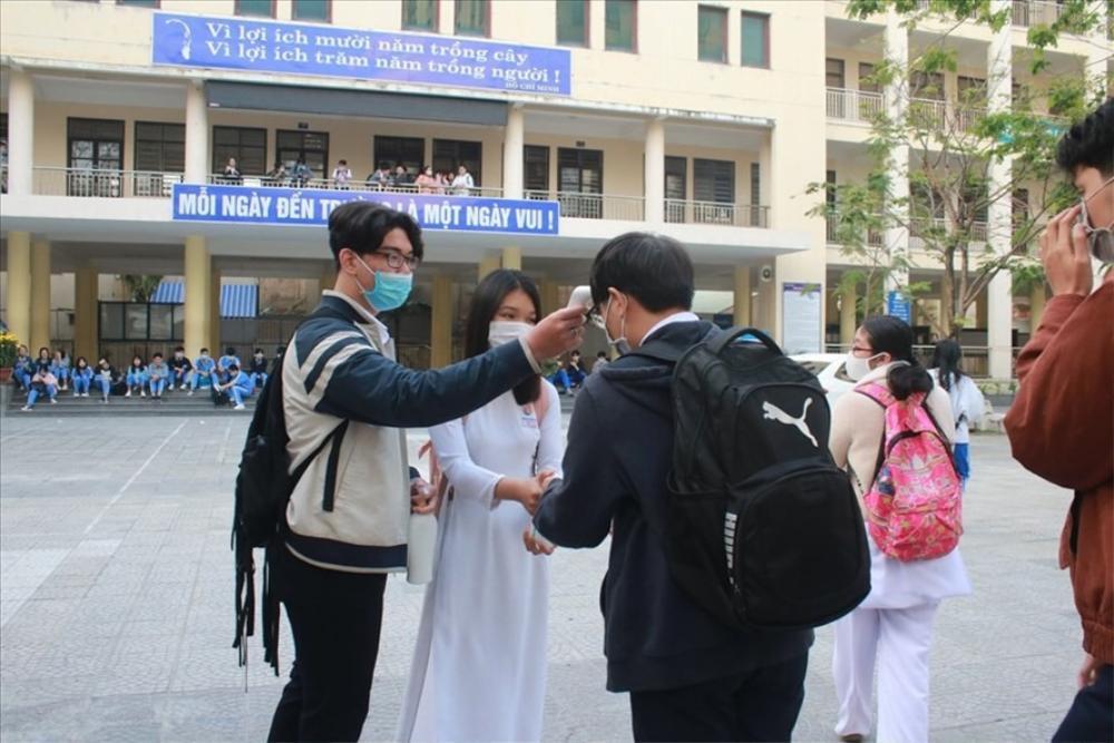 Quảng Nam: Một học sinh THCS làm giả văn bản cho nghỉ học thêm 1 tháng để phòng dịch Ảnh 1