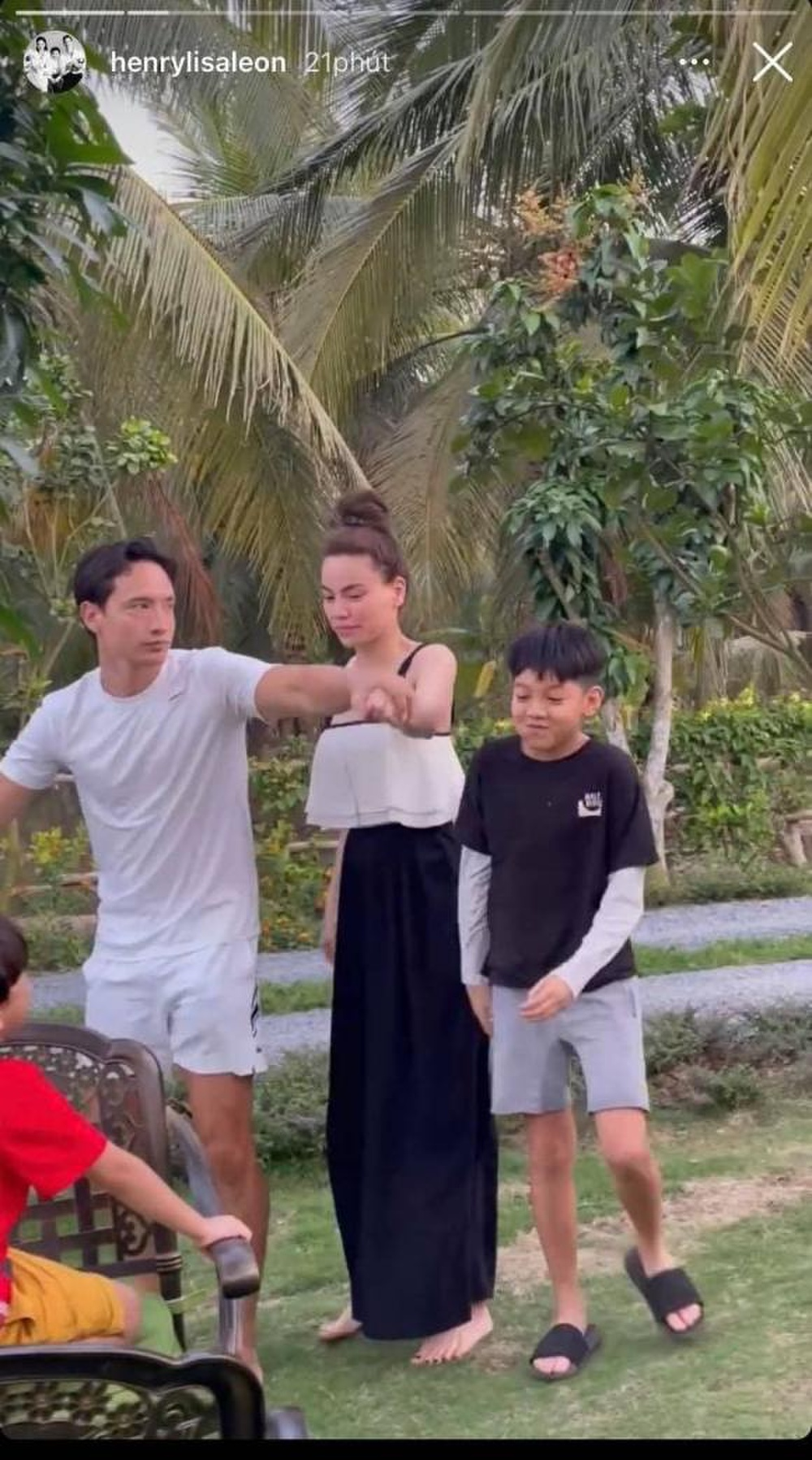 Hồ Ngọc Hà, Kim Lý 'nối đuôi' nhau nhảy 'xe lửa' cực hài, Subeo giữa chừng phải bỏ cuộc Ảnh 3