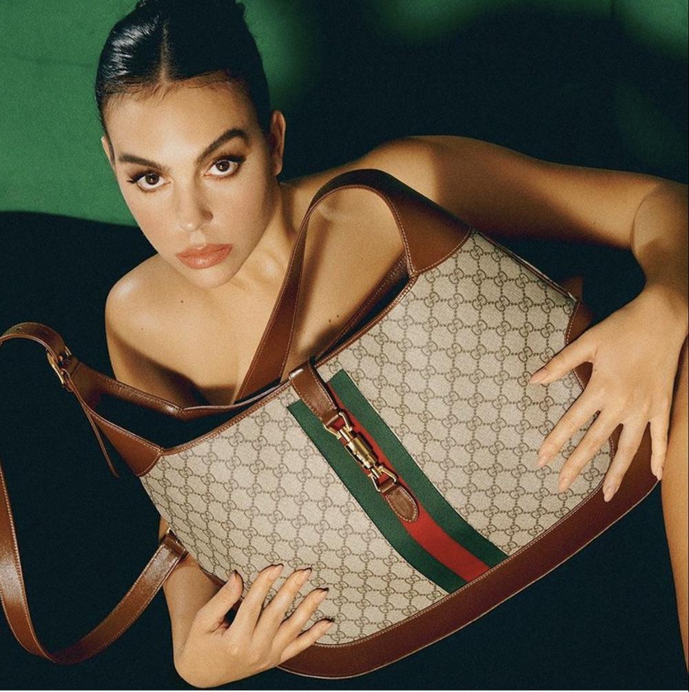 Top 10 nàng WAGs giàu nhất thế giới: Bạn gái Ronaldo thua xa bà Becks Ảnh 2