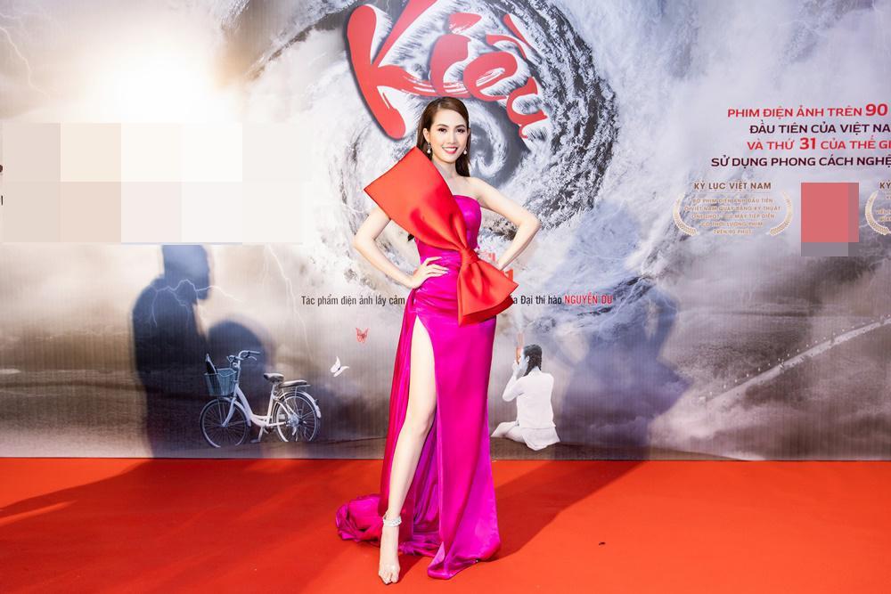 Phan Thị Mơ khoe đôi chân dài thẳng tắp không tì vết trên thảm đỏ Ảnh 6