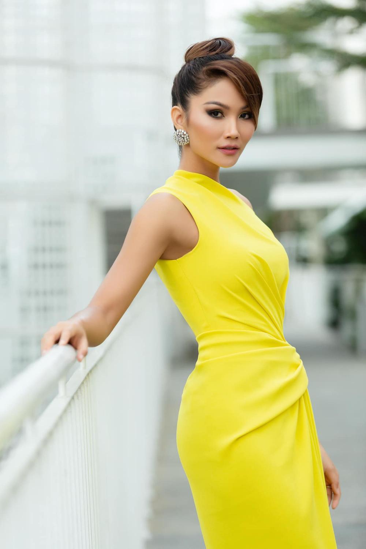Sức hút mạnh mẽ của 7 hoa hậu 9X độc thân: Minh Tú - Hoàng Thùy - H'Hen Niê xứng danh chiến binh sắc đẹp Ảnh 3