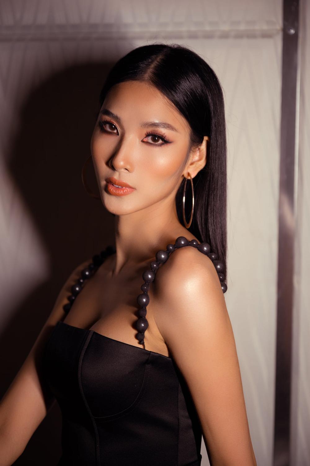 Sức hút mạnh mẽ của 7 hoa hậu 9X độc thân: Minh Tú - Hoàng Thùy - H'Hen Niê xứng danh chiến binh sắc đẹp Ảnh 4