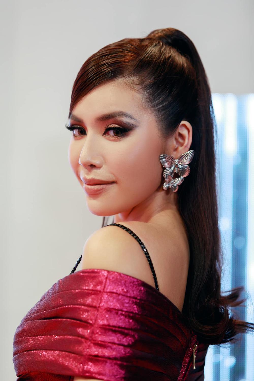 Sức hút mạnh mẽ của 7 hoa hậu 9X độc thân: Minh Tú - Hoàng Thùy - H'Hen Niê xứng danh chiến binh sắc đẹp Ảnh 6