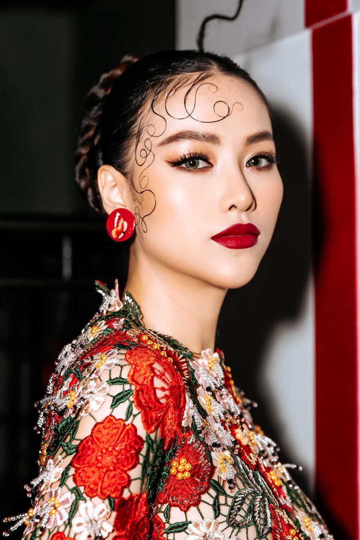 Sức hút mạnh mẽ của 7 hoa hậu 9X độc thân: Minh Tú - Hoàng Thùy - H'Hen Niê xứng danh chiến binh sắc đẹp Ảnh 12