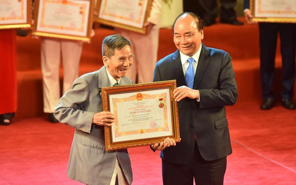 Nghệ sĩ nhân dân Trần Hạnh: Người ông quốc dân trong mắt nhiều thế hệ Ảnh 1