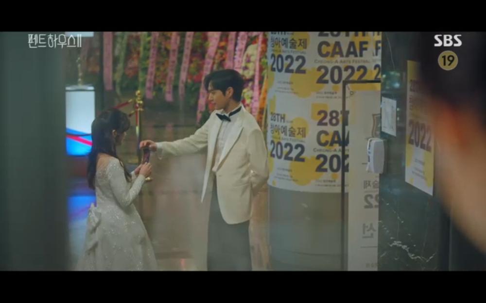'Penthouse 2' tập 5: Ha Eun Byul thẳng tay giết Bae Rona Ảnh 22