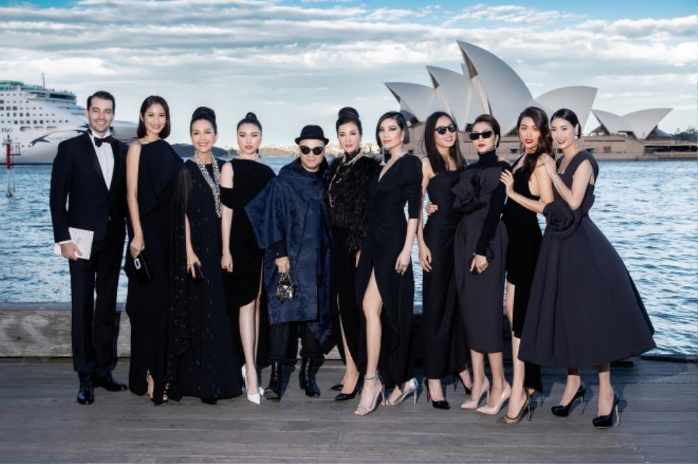 360 độ thời trang Việt: Vì sao loạt NTK Việt lại tổ chức show tại các danh lam thắng cảnh Ảnh 1