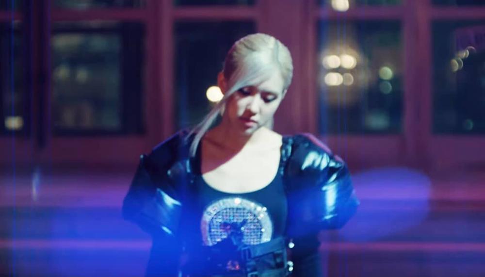 Rosé tiếp tục 'thả thính' teaser MV, fan sướng rơn khi được 'khuyến mại'... thêm vài câu hát Ảnh 3