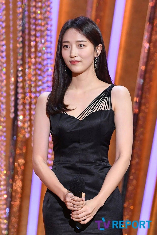 Naeun bị loại khỏi 'Taxi Driver' vì scandal, Pyo Ye Jin xác nhận thay thế! Ảnh 2