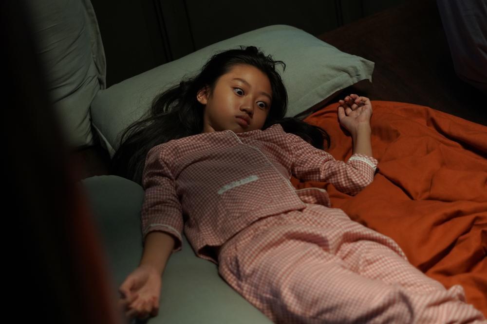 Sau 'Thiên linh cái', Quang Tuấn lại sống trong ngôi nhà ma ám trong phim kinh dị 'Bóng đè' Ảnh 14