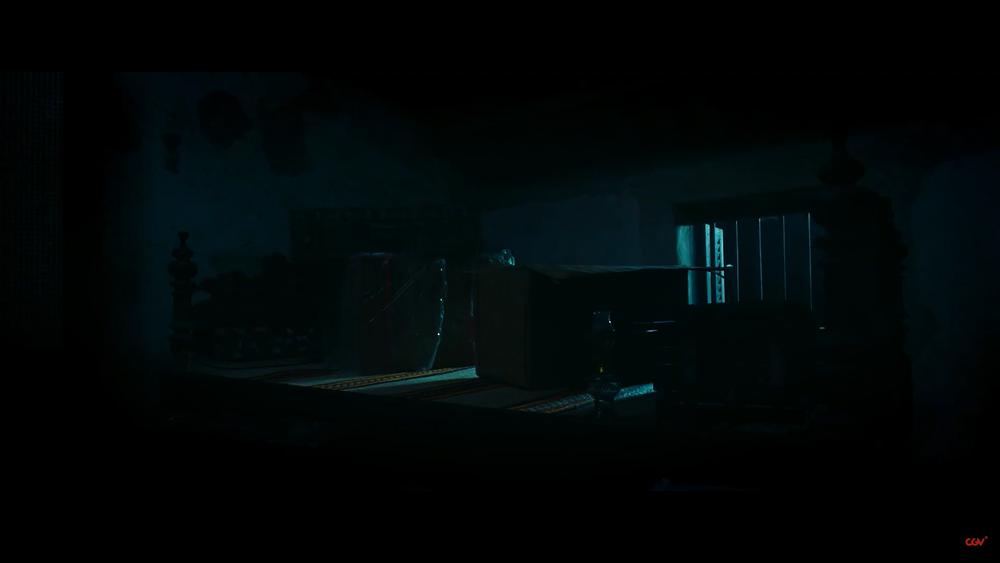 Sau 'Thiên linh cái', Quang Tuấn lại sống trong ngôi nhà ma ám trong phim kinh dị 'Bóng đè' Ảnh 3