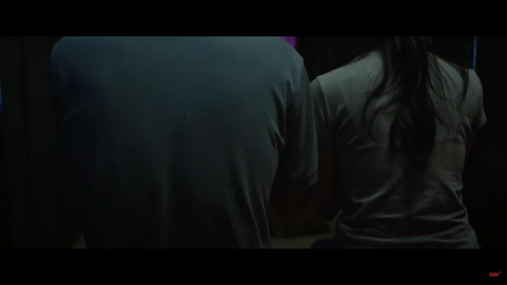 Sau 'Thiên linh cái', Quang Tuấn lại sống trong ngôi nhà ma ám trong phim kinh dị 'Bóng đè' Ảnh 5