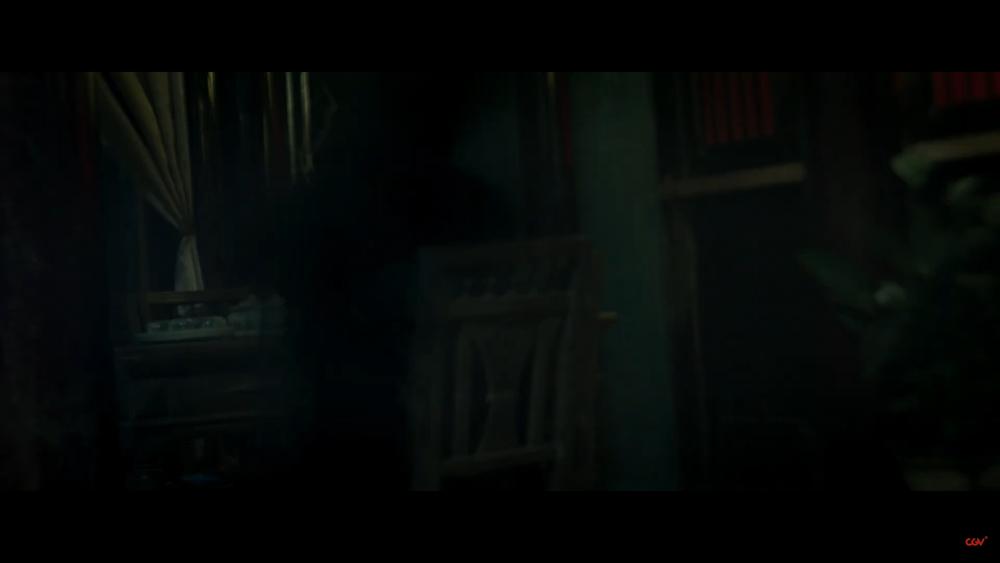 Sau 'Thiên linh cái', Quang Tuấn lại sống trong ngôi nhà ma ám trong phim kinh dị 'Bóng đè' Ảnh 9