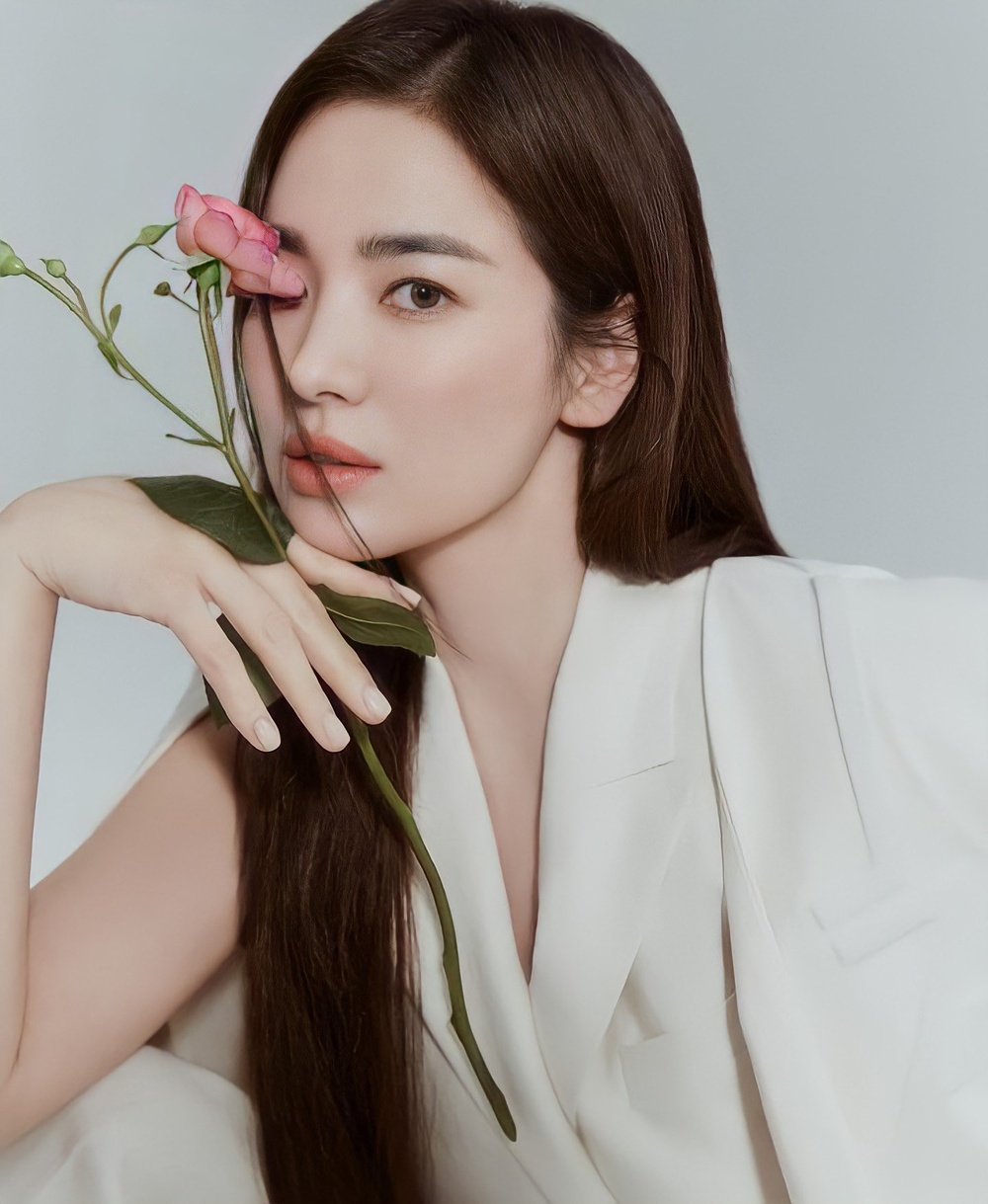 Song Hye Kyo yêu say đắm Jang Ki Yong trong phim mới của biên kịch 'Misty' Ảnh 1
