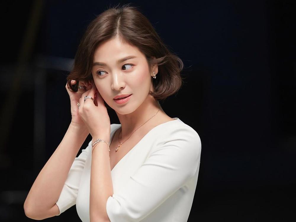 Song Hye Kyo yêu say đắm Jang Ki Yong trong phim mới của biên kịch 'Misty' Ảnh 6