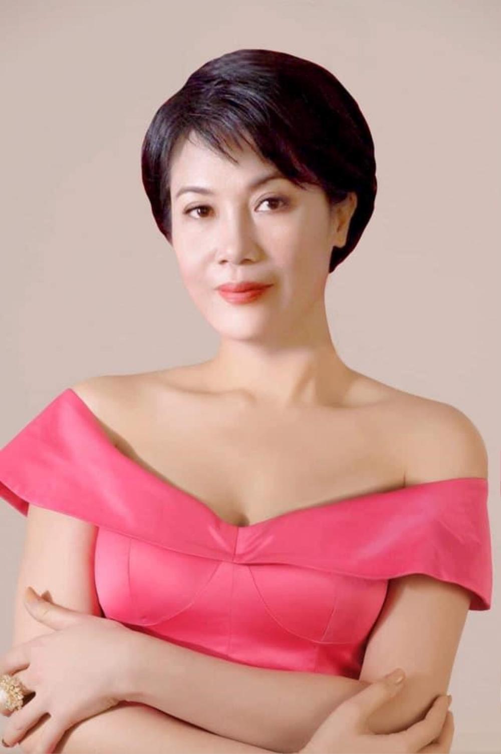 Trưởng Ban giám khảo Miss Charm: 'Cho phép phẫu thuật thẩm mỹ để tránh bỏ phí những nhan sắc nổi bật' Ảnh 3