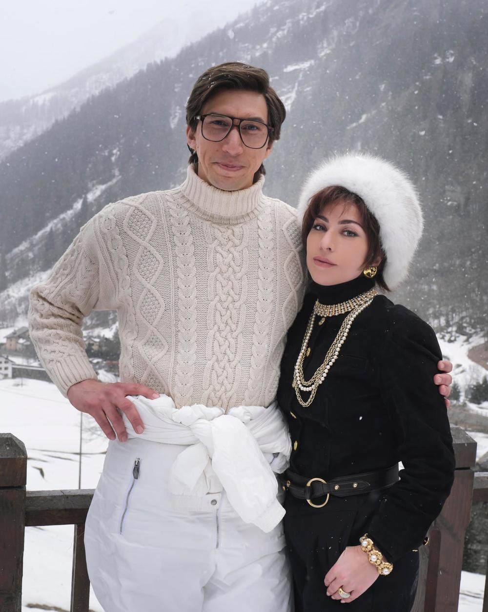 Hậu trường phim House of Gucci, fan Việt réo gọi Phi Nhung khi thấy tạo hình Lady Gaga Ảnh 1