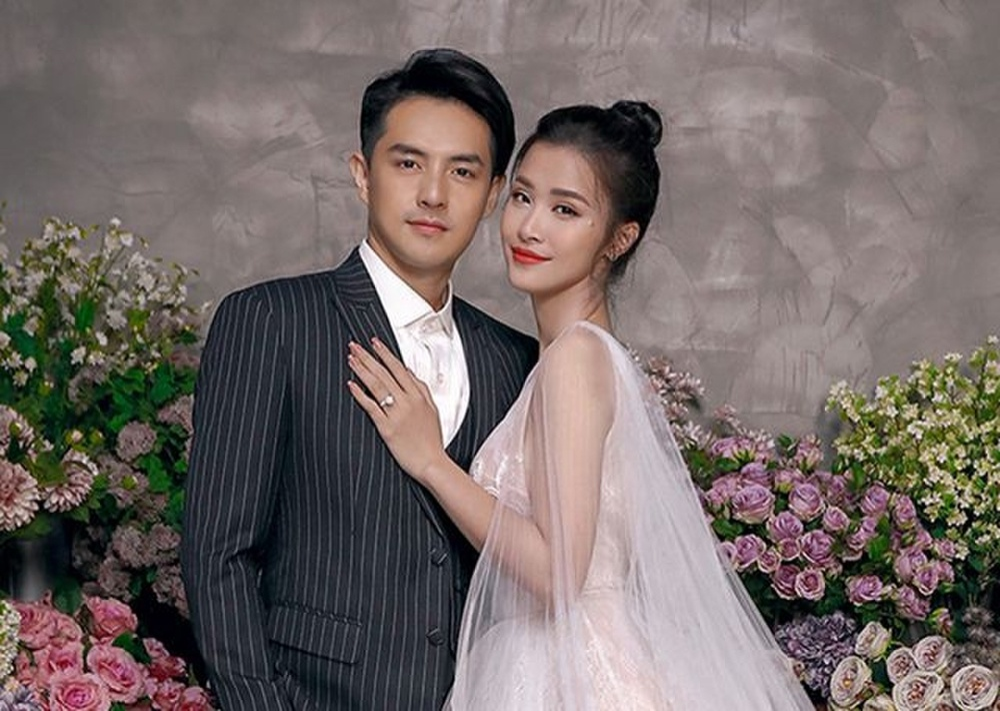 Đông Nhi - Đặng Thu Thảo - Nhã Phương đều được chuyên gia Minh Lộc trang điểm ở đám cưới thế kỷ Ảnh 3