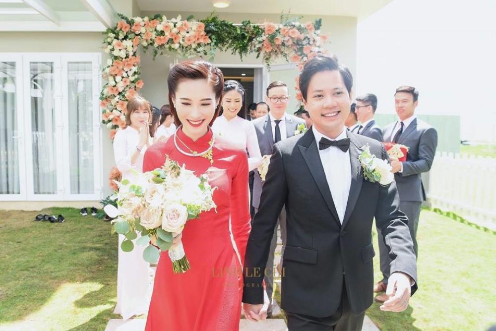 Đông Nhi - Đặng Thu Thảo - Nhã Phương đều được chuyên gia Minh Lộc trang điểm ở đám cưới thế kỷ Ảnh 8