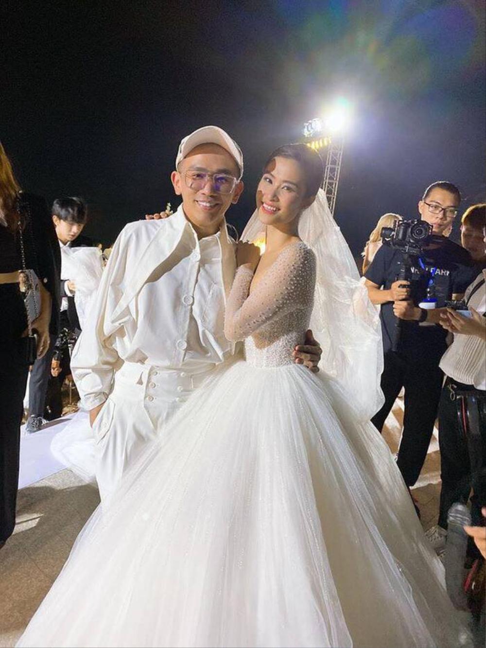Đông Nhi - Đặng Thu Thảo - Nhã Phương đều được chuyên gia Minh Lộc trang điểm ở đám cưới thế kỷ Ảnh 1
