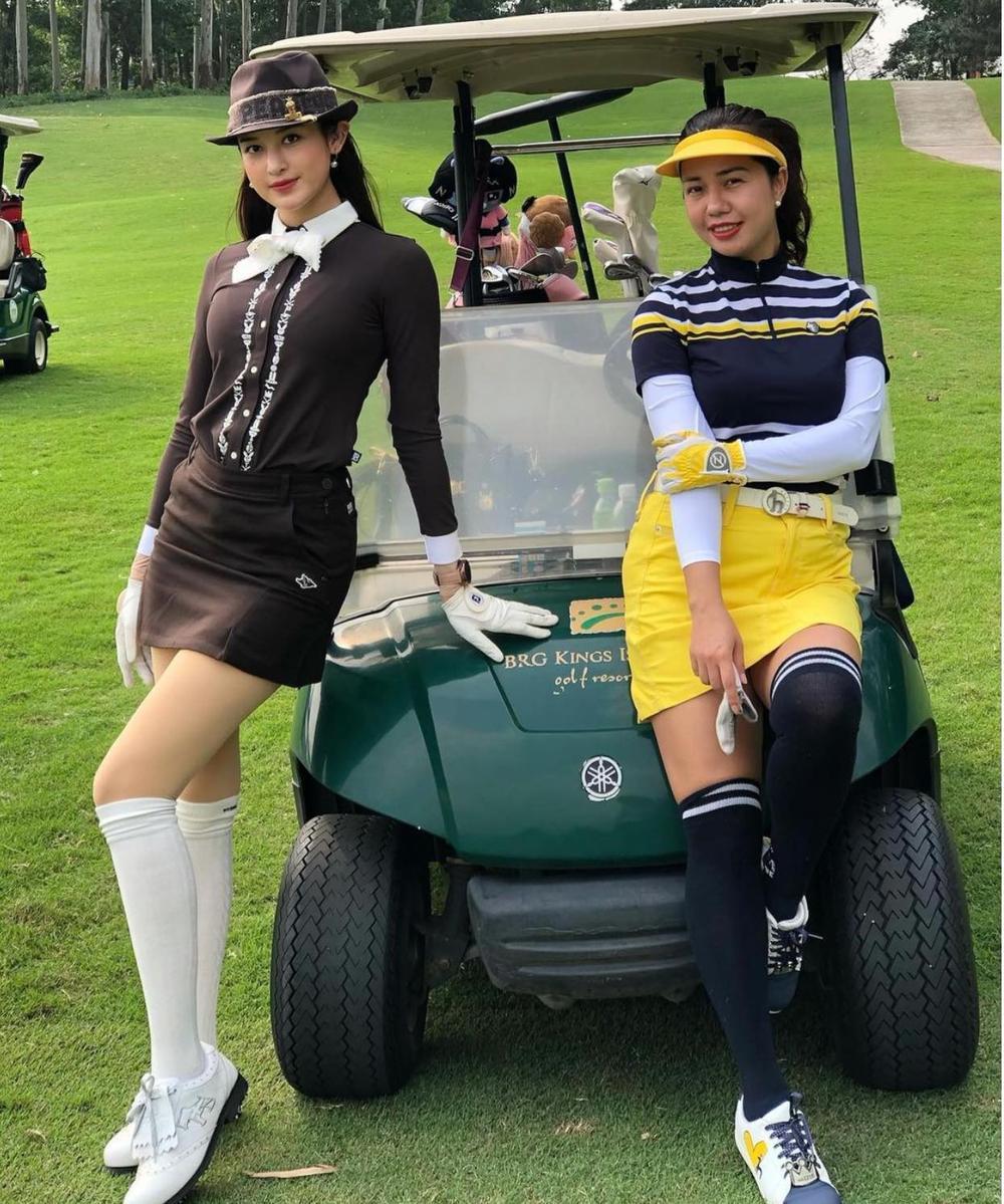 Á hậu Huyền My diện set đồ đánh golf như quý tộc Anh, khoe chân thon cực phẩm Ảnh 7