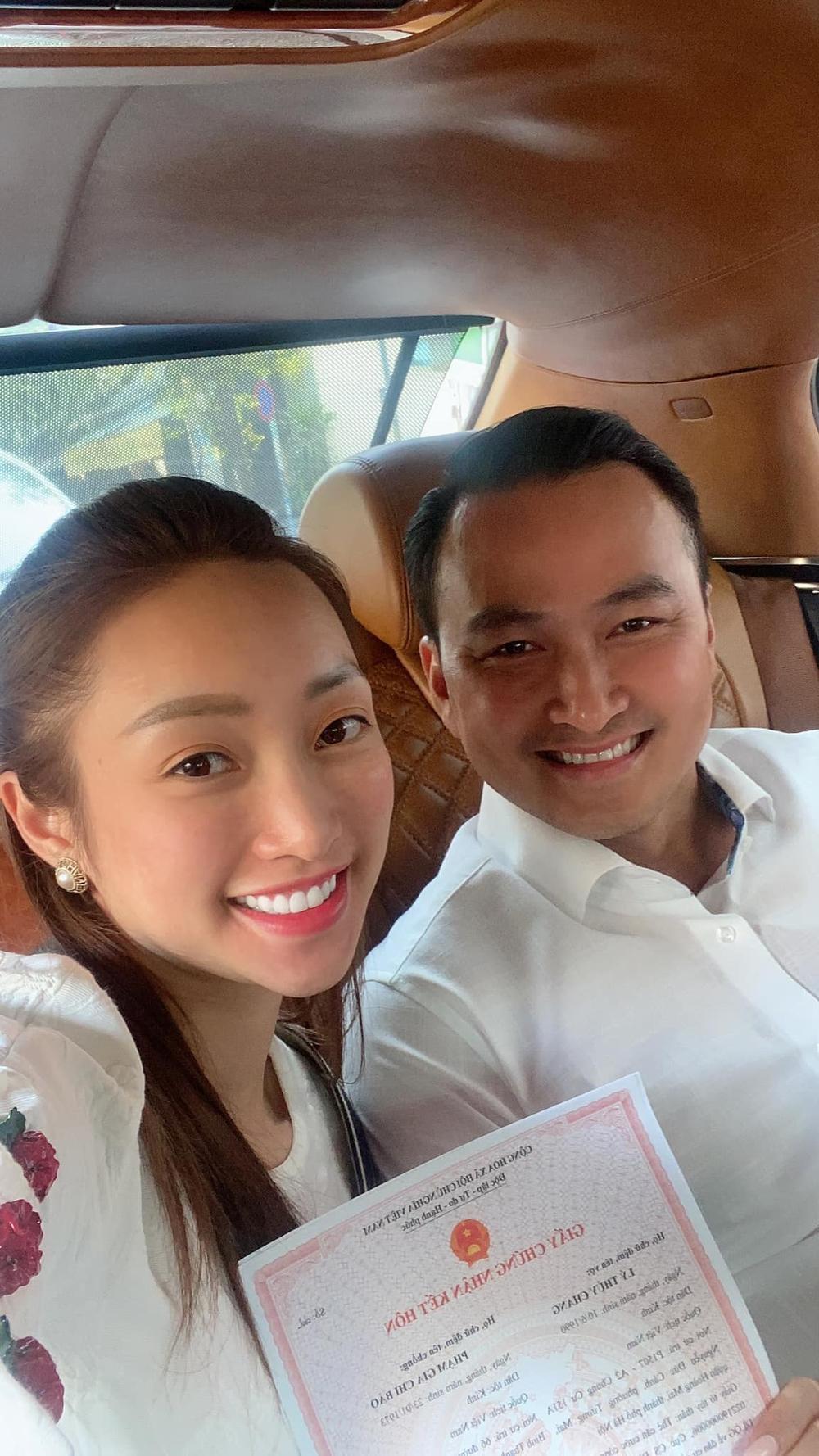 Bà xã kém 16 tuổi của Chi Bảo sở hữu sắc vóc hơn nhiều Việt Ảnh 1
