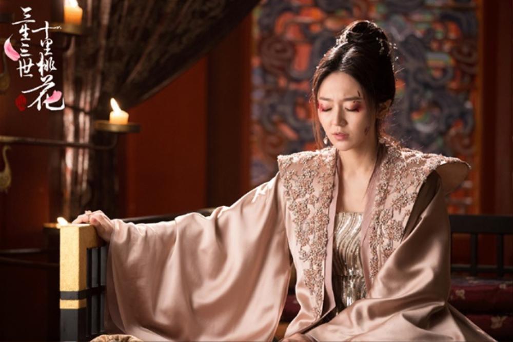 Kẻ thù của Đàm Tùng Vận trong 'Cẩm tâm tựa ngọc' soán ngôi 'Tố Cẩm' lên chức nữ vương trà xanh Ảnh 7