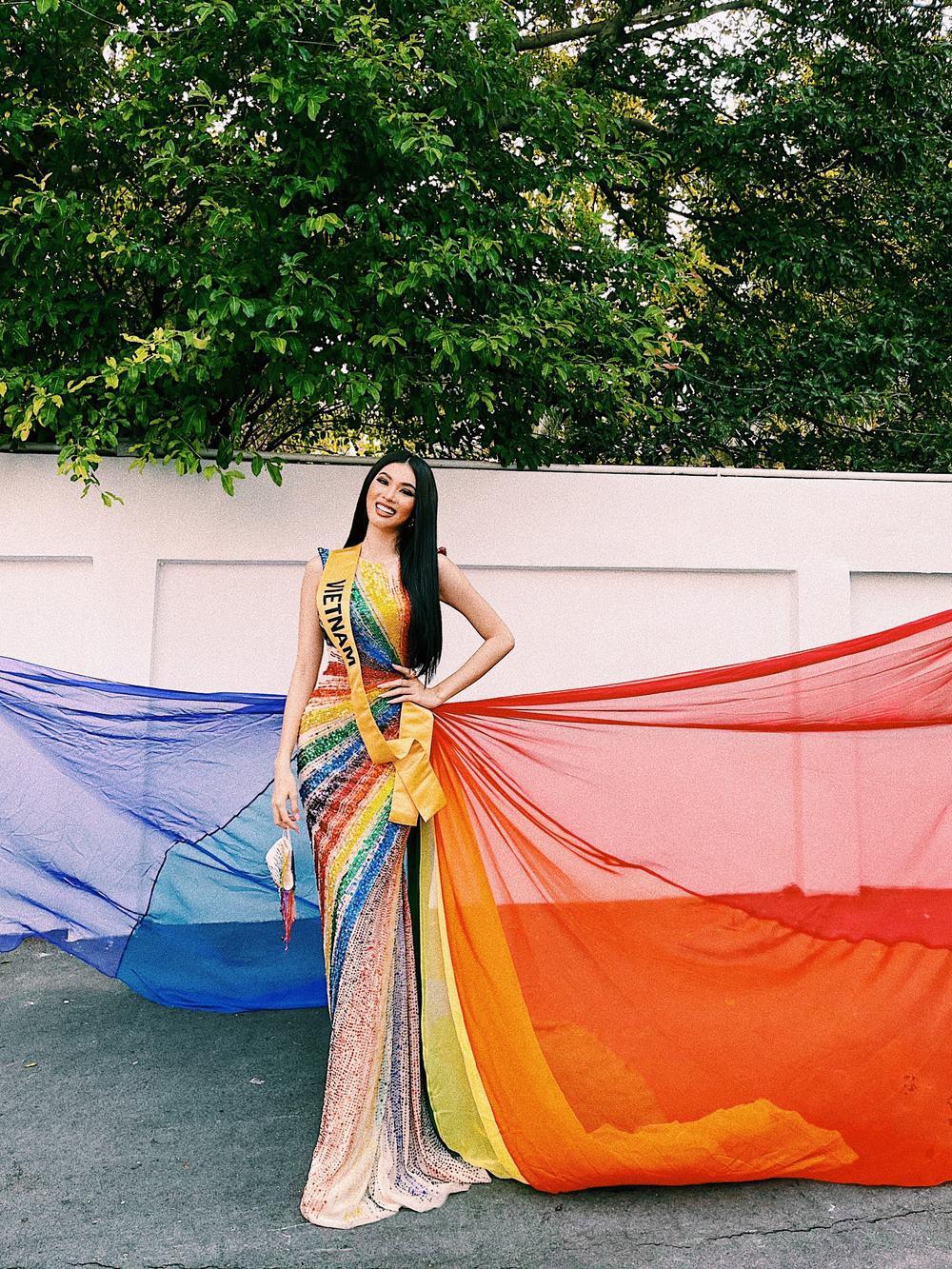 Ngọc Thảo diện váy cờ lục sắc ủng hộ cộng đồng LGBT nổi bật tại Miss Grand: Nước cờ khéo như H'Hen Niê! Ảnh 2