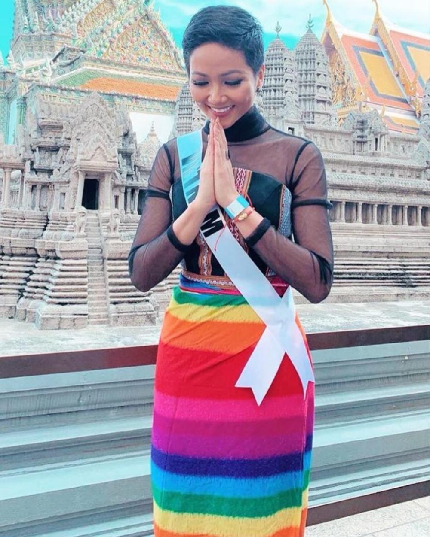 Ngọc Thảo diện váy cờ lục sắc ủng hộ cộng đồng LGBT nổi bật tại Miss Grand: Nước cờ khéo như H'Hen Niê! Ảnh 4