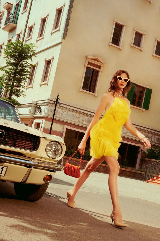 Váy đầm rực rỡ mang phong cách Địa Trung Hải cho ngày hè tỏa sáng Ảnh 4