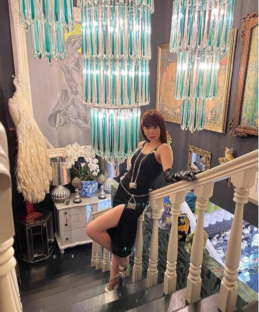 Ngọc Trinh khoe dáng 'nóng hổi' với váy đen huyền bí, loạt phụ kiện bắt mắt mới là đỉnh cao sang chảnh Ảnh 6