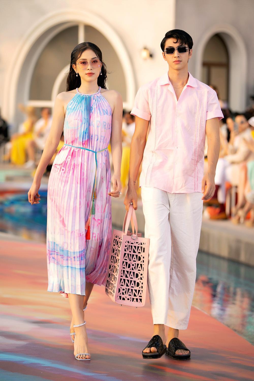 Hoa hậu Đỗ Thị Hà, Á hậu Lệ Hằng, Phương Nga đẹp sắc sảo, như hoa như ngọc trên cùng sàn catwalk Ảnh 5