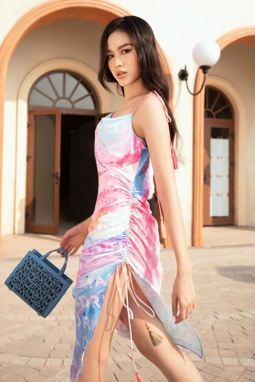Hoa hậu Đỗ Thị Hà, Á hậu Lệ Hằng, Phương Nga đẹp sắc sảo, như hoa như ngọc trên cùng sàn catwalk Ảnh 3