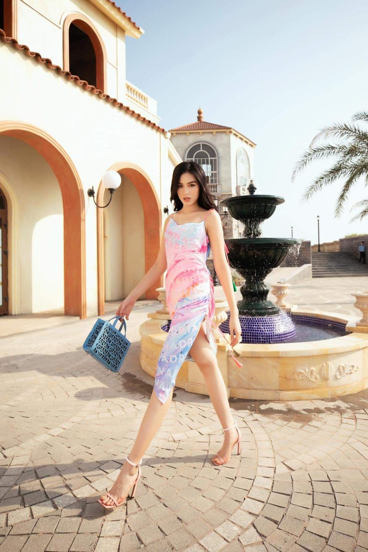 Hoa hậu Đỗ Thị Hà, Á hậu Lệ Hằng, Phương Nga đẹp sắc sảo, như hoa như ngọc trên cùng sàn catwalk Ảnh 2