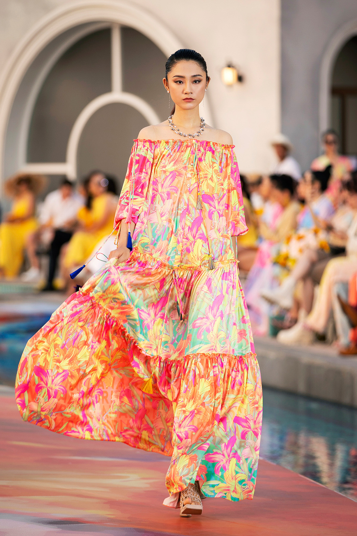 Hoa hậu Đỗ Thị Hà, Á hậu Lệ Hằng, Phương Nga đẹp sắc sảo, như hoa như ngọc trên cùng sàn catwalk Ảnh 18