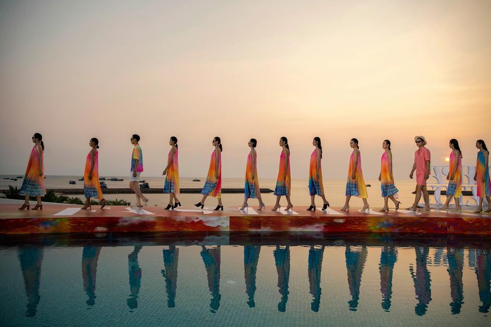FASHION VOYAGE #3 - Nốt nhạc thăng hoa của thời trang Việt và đôi điều còn tiếc nuối Ảnh 1