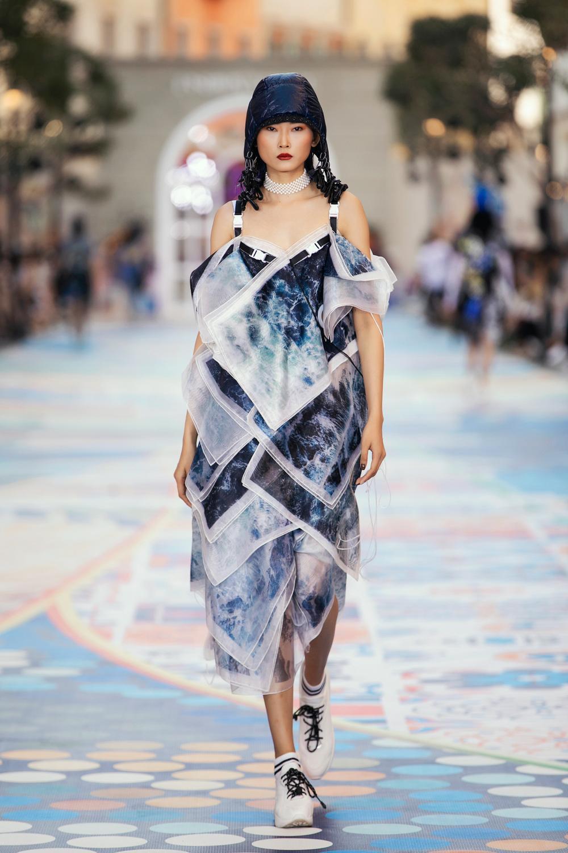 FASHION VOYAGE #3 - Nốt nhạc thăng hoa của thời trang Việt và đôi điều còn tiếc nuối Ảnh 21
