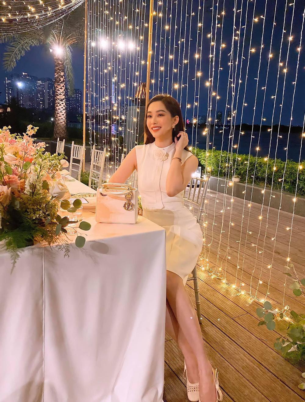 Hoa hậu Đặng Thu Thảo đẹp ngất ngây với váy tím mộng mơ Ảnh 5