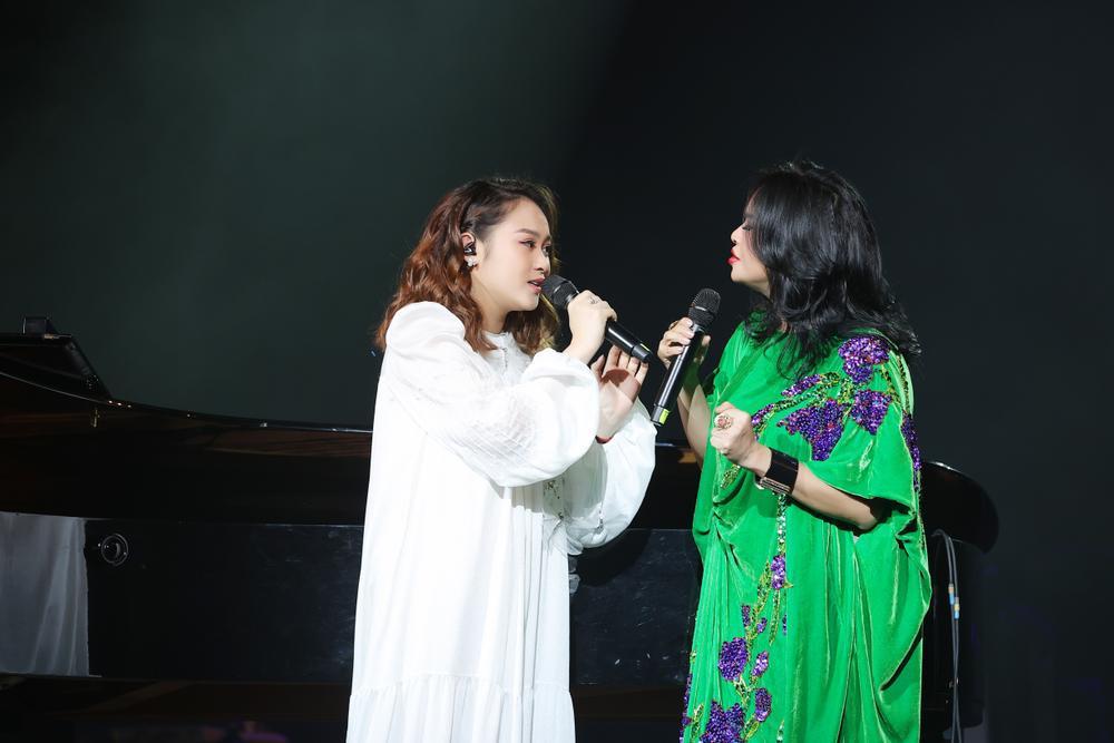 Thanh Lam hồn nhiên 'show ân ái', tỏ tình bạn trai trên sân khấu liveshow:'Em mang tình anh đến trọn đời' Ảnh 11